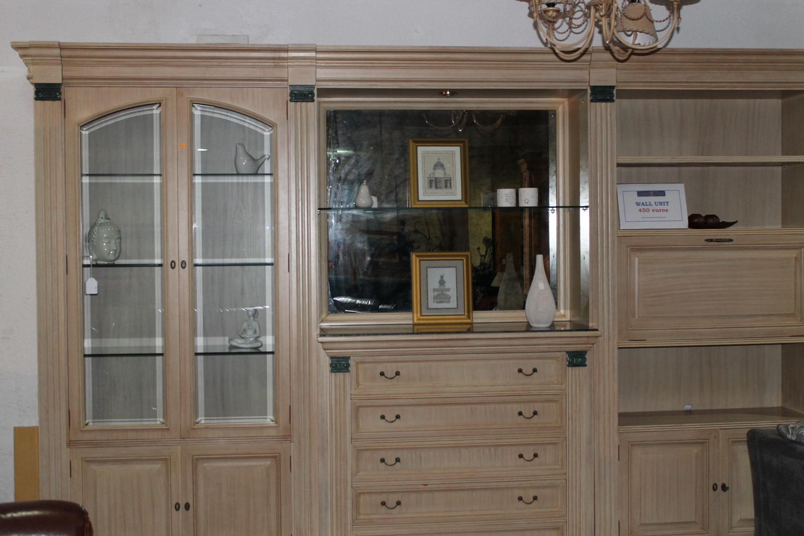 New2you furniture second hand wall units for the for Dining room wall furniture