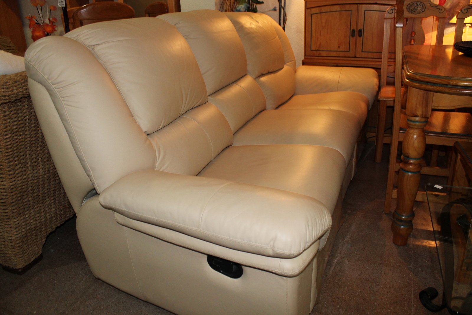 Cream Leather Sofa Sold For Torrevieja Spain