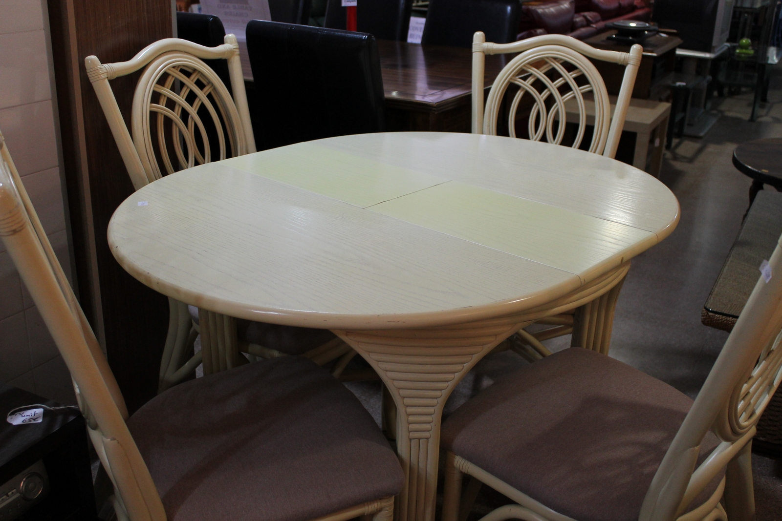 table and chairs ref c840 round extending table and 4 chairs the table