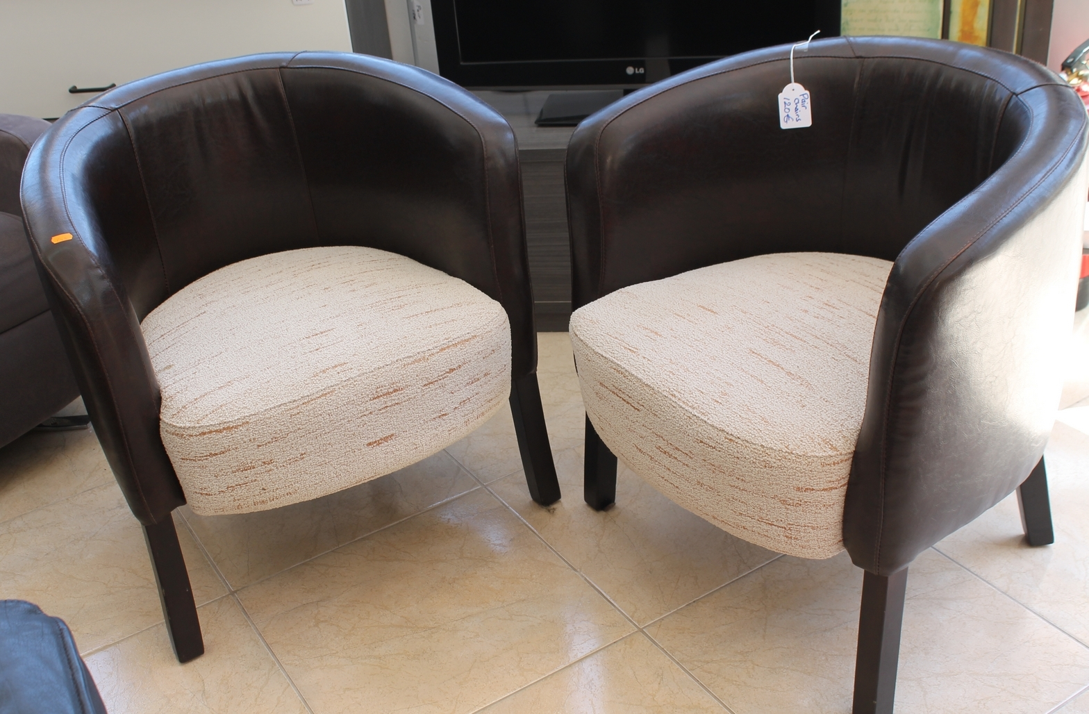 New2you Furniture Second Hand Armchairs For The Bedroom