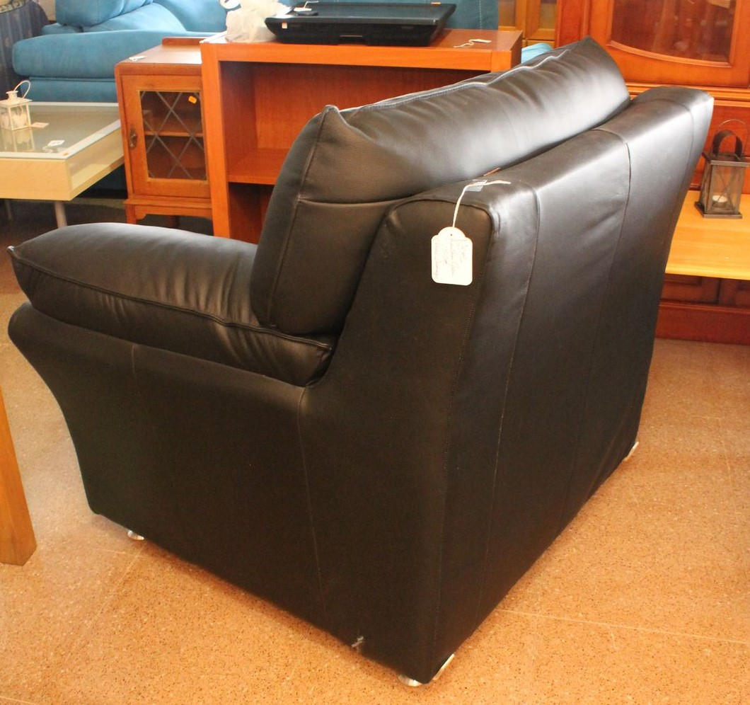 New2You Furniture | Second Hand Armchairs for the Living ...