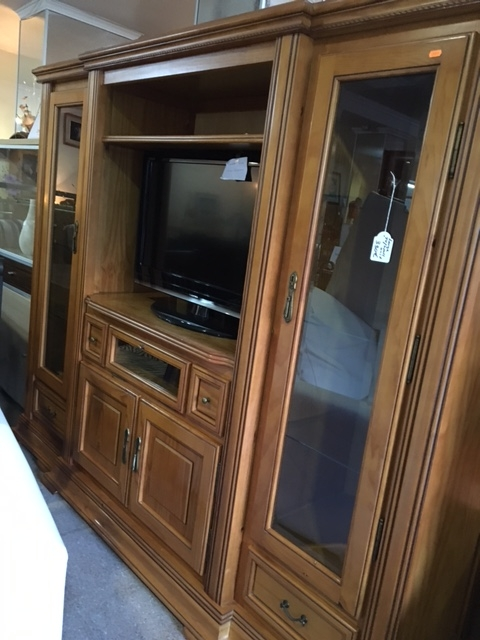 New2You Furniture | Second Hand Wall Units for the Dining Room ...