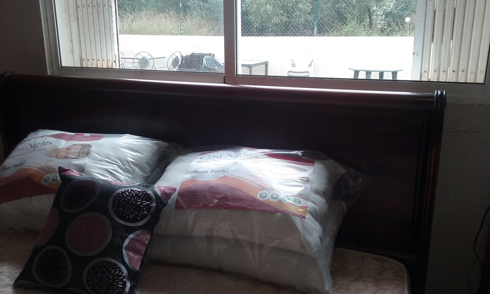New2you furniture second hand beds for the bedroom ref for Bedroom furniture 2nd hand