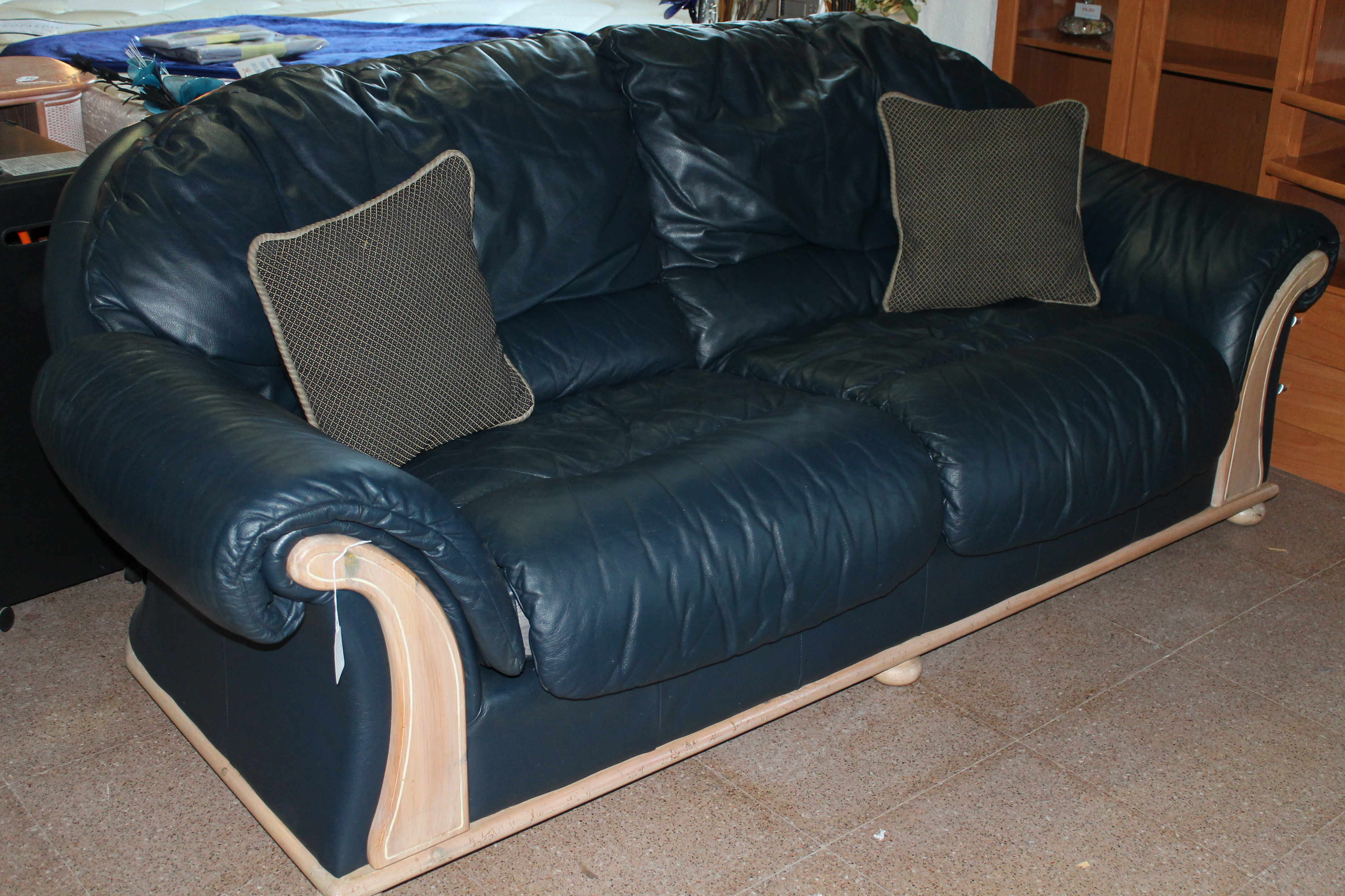 new2you furniture | second hand sofas/sofa beds for the living