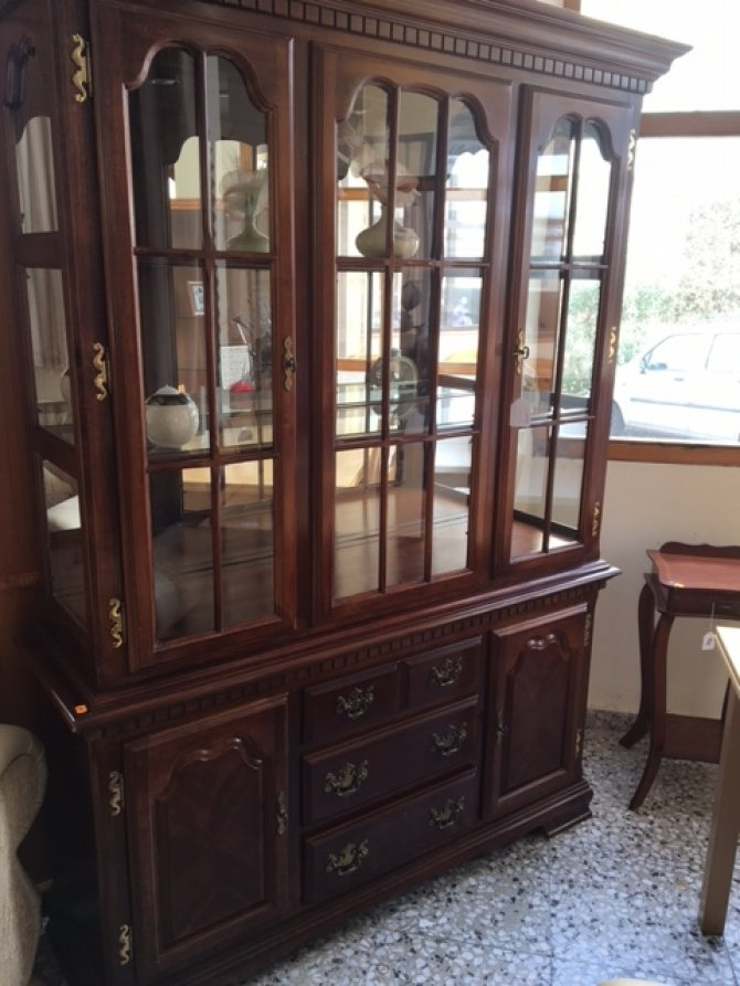New2you furniture second hand wall units for the dining for Dining room wall units furniture