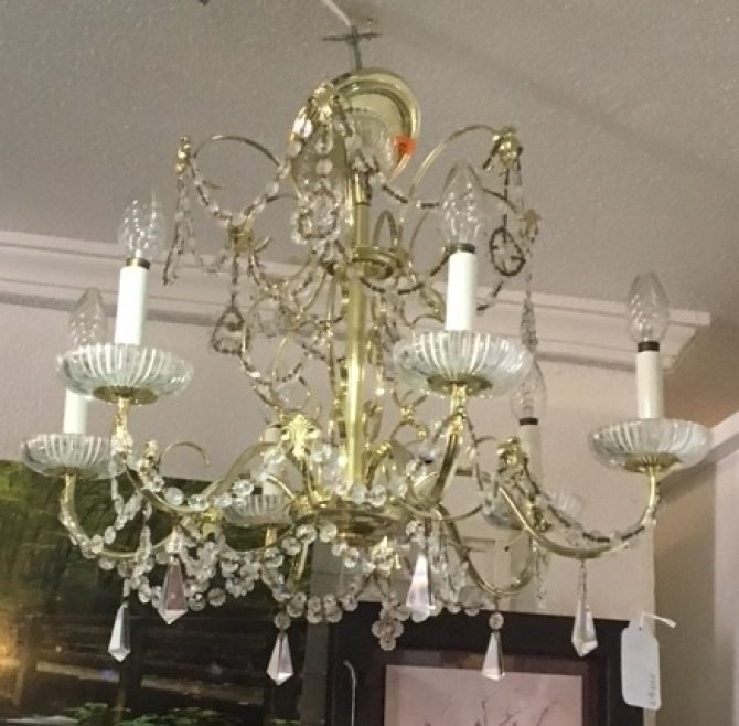 Second-hand furniture Chandelier, Torrevieja, Spain