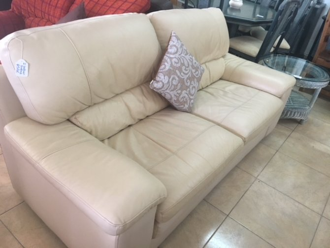 Second-hand furniture Pair of Leather Sofas, Torrevieja, Spain