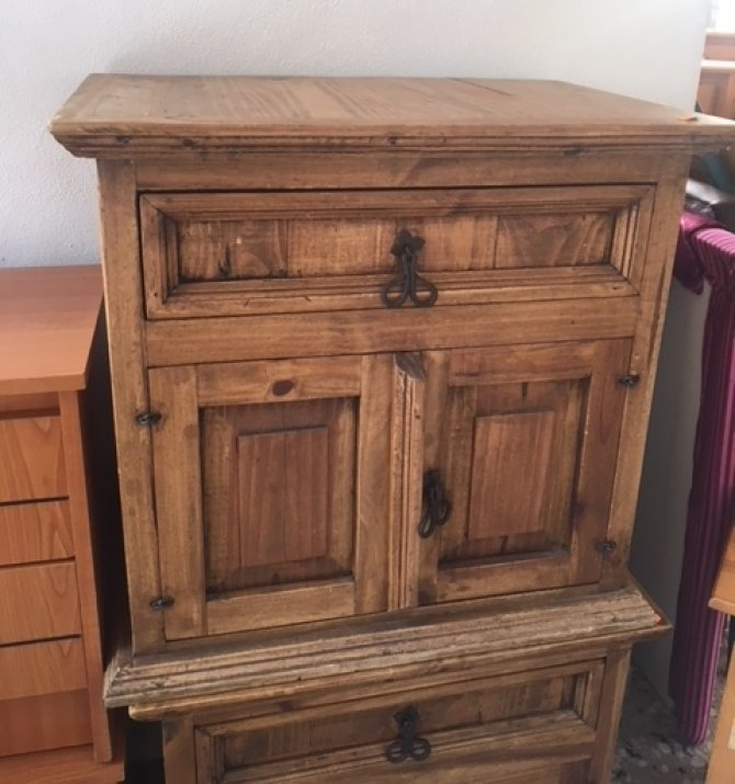 Second-hand furniture Pair of Rustic Bedsides, Torrevieja, Spain