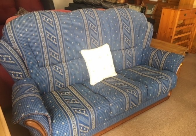 Second-hand furniture Sofa and Pouffe, Torrevieja, Spain