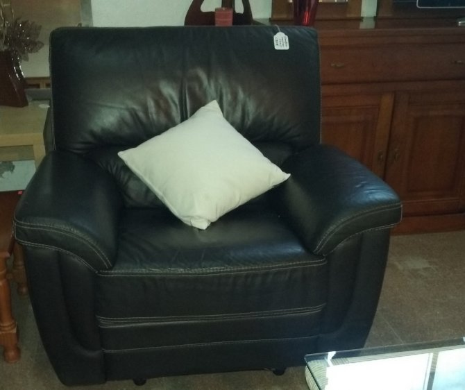 Second-hand furniture Leather Recliner Chair, Torrevieja, Spain