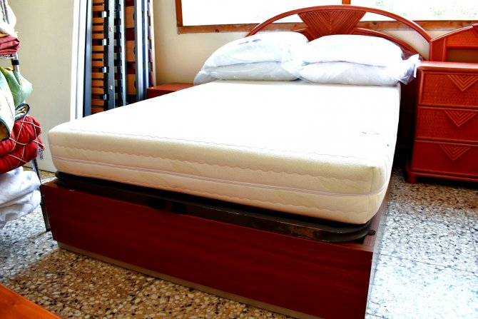 Second-hand furniture Complete Storage Bed, Torrevieja, Spain