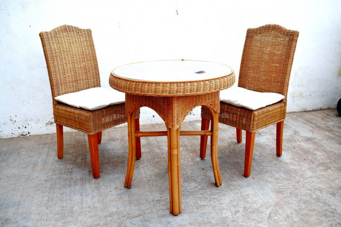 Second-hand furniture Wicker Table and Chairs, Torrevieja, Spain