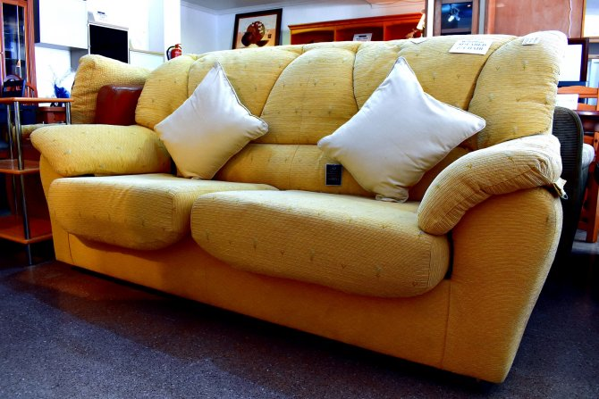 Second-hand furniture Sofa/Bed and Chair, Torrevieja, Spain