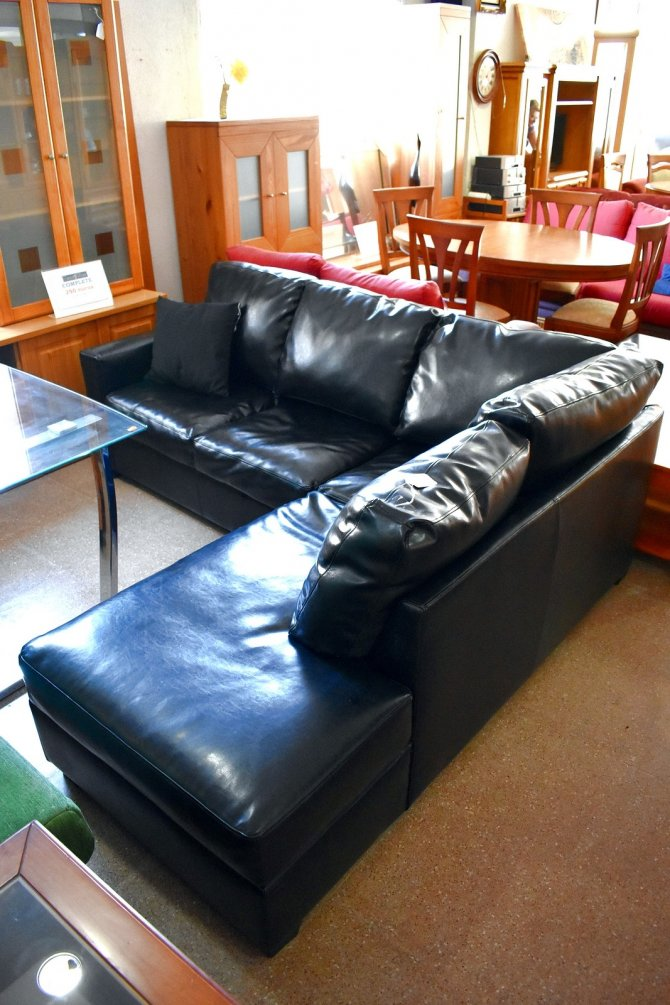 Second-hand furniture Leather Corner Sofa, Torrevieja, Spain