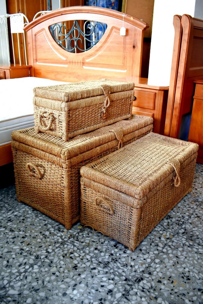 Second-hand furniture Wicker Chests, Torrevieja, Spain