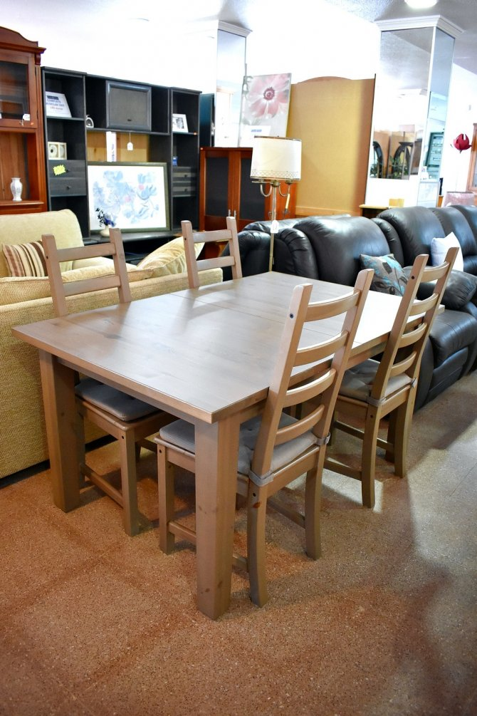 Second Hand Furniture Extending Table And Chairs, Torrevieja, Spain