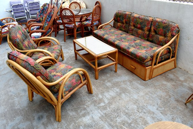 Second-hand furniture 3 Piece Suite and Coffee Table, Torrevieja, Spain