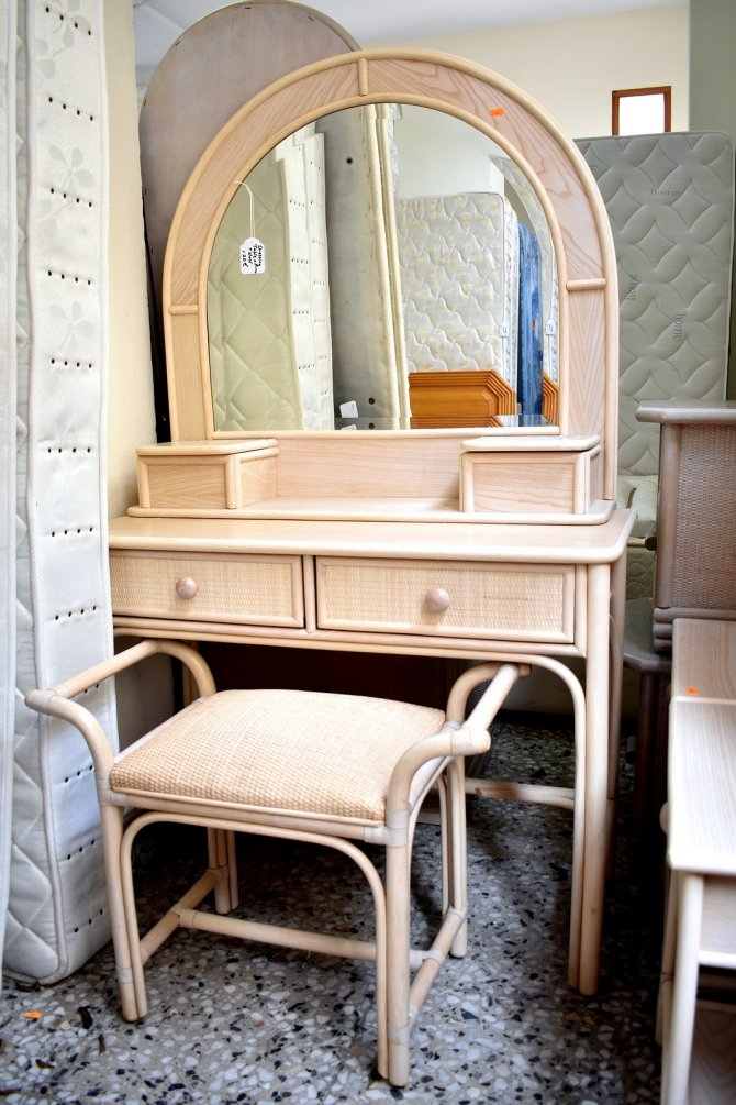 Second-hand furniture Dressing Table, Torrevieja, Spain