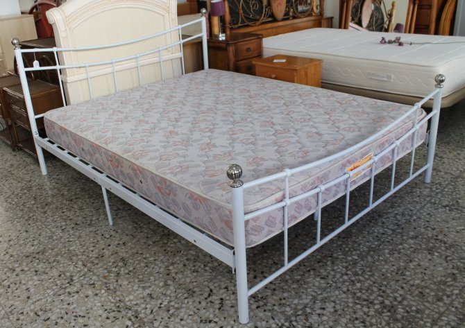 Second-hand furniture Metal Bed, Torrevieja, Spain