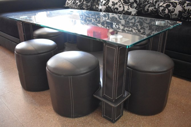 Second-hand furniture Coffee Table and Stools, Torrevieja, Spain