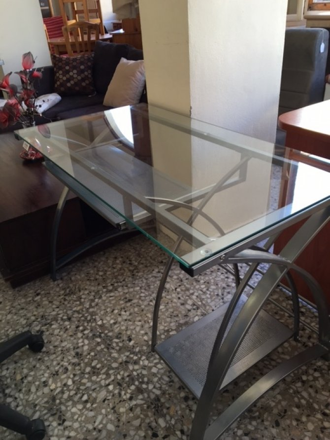Second-hand furniture Desk, Torrevieja, Spain