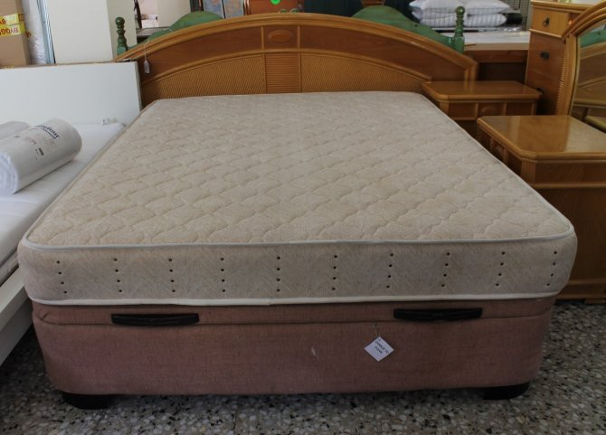 Second-hand furniture Kingsize Storage Bed, Torrevieja, Spain
