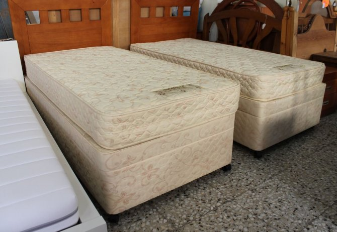 Second-hand furniture Pair of Single Storage Beds, Torrevieja, Spain