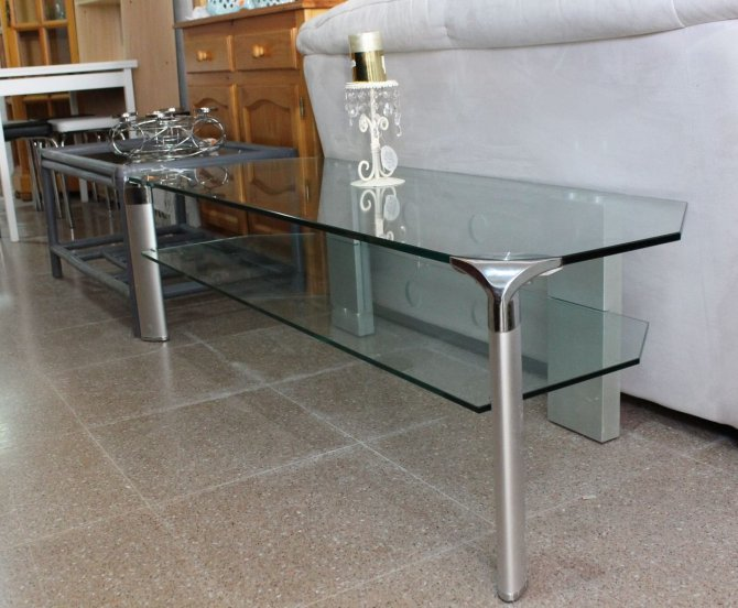 Second-hand furniture Glass TV Table, Torrevieja, Spain