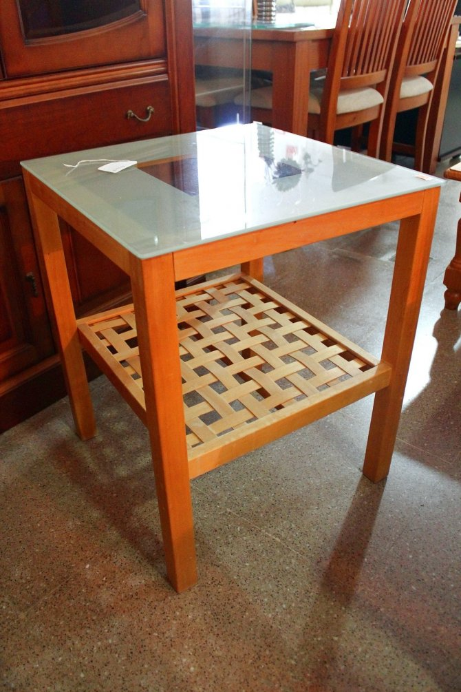Second-hand furniture Side Table , Torrevieja, Spain