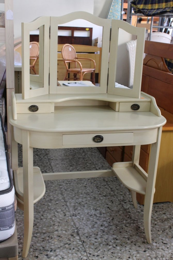 Second-hand furniture Dressing Table and Shelves, Torrevieja, Spain