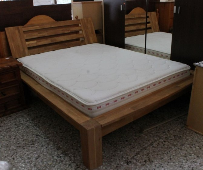 Second-hand furniture Rustic Bed, Torrevieja, Spain