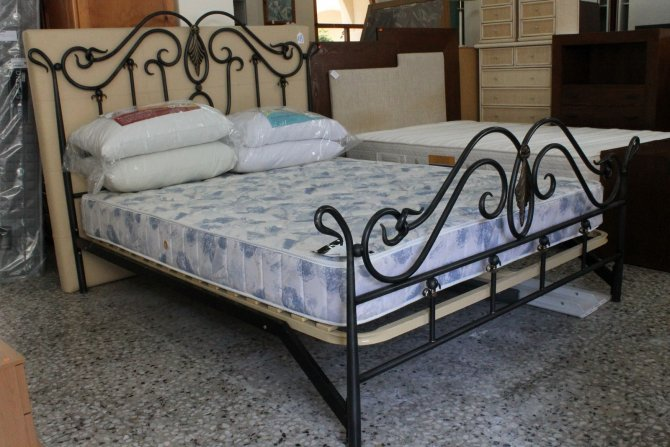 Second-hand furniture Bed, Torrevieja, Spain