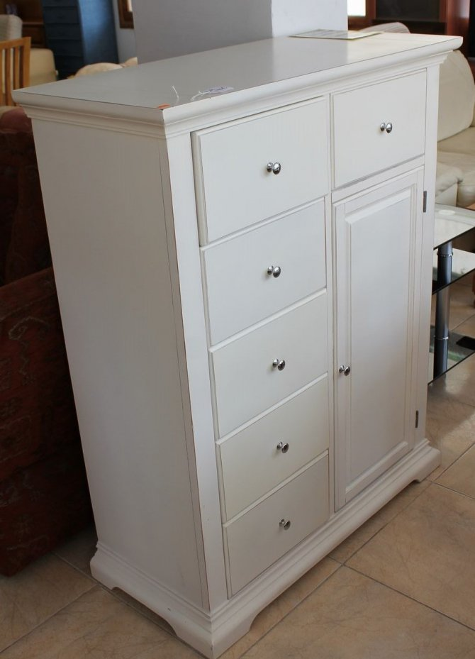 Second-hand furniture Tallboy/cupboard, Torrevieja, Spain