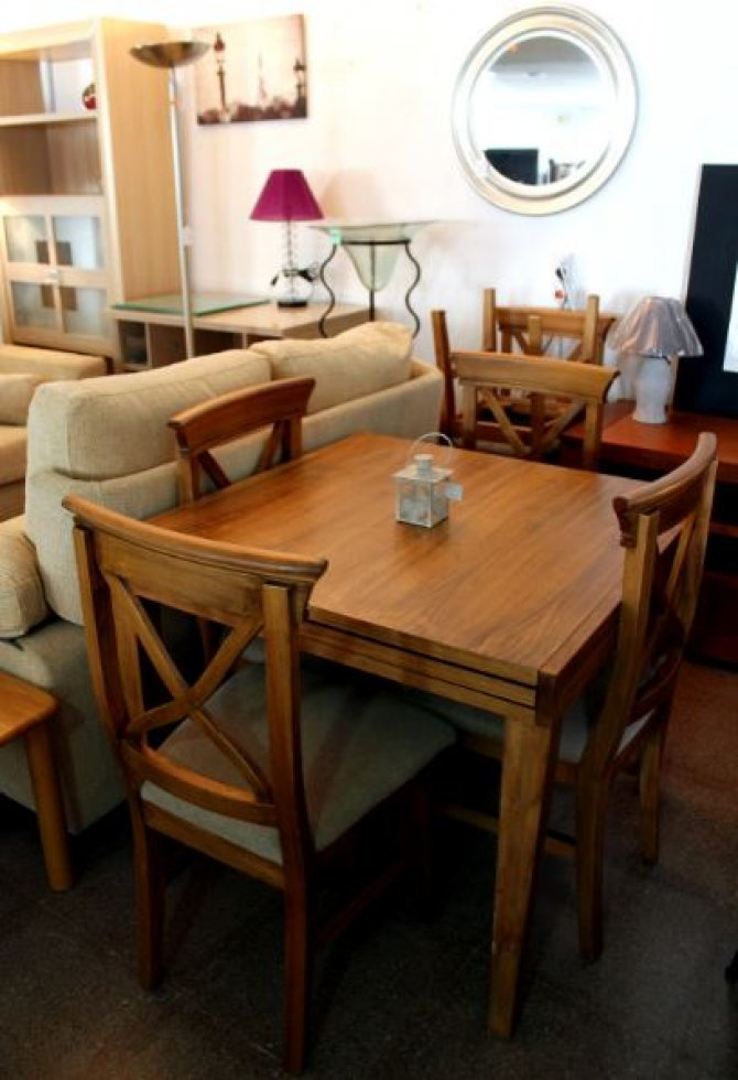 Second-hand furniture Extending Rustic Table and 6 Chairs, Torrevieja, Spain
