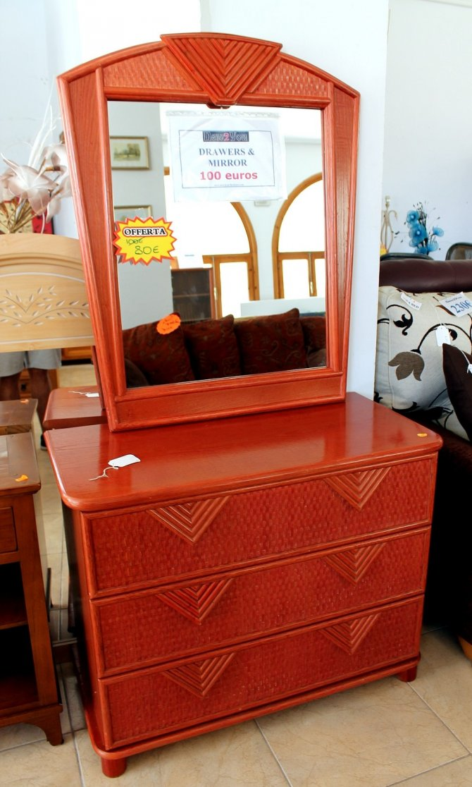 Second-hand furniture Drawers & Mirror, Torrevieja, Spain