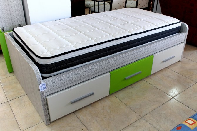 Second-hand furniture Single Bed, Torrevieja, Spain