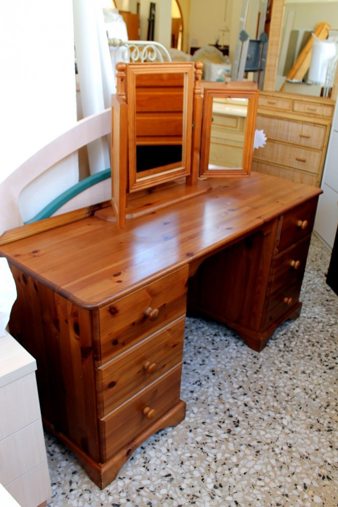 Second-hand furniture Dressing Table and Mirror, Torrevieja, Spain