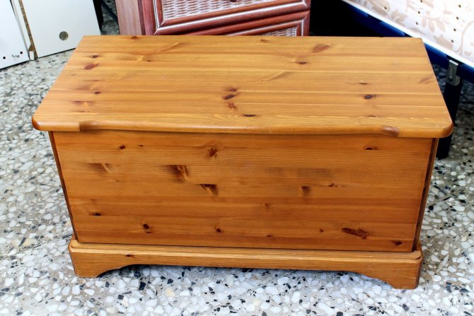 Second-hand furniture Ottoman, Torrevieja, Spain