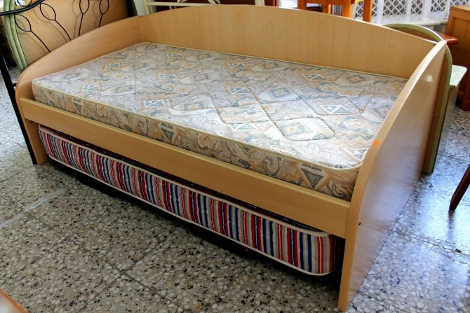 Second-hand furniture Bed Bed Under, Torrevieja, Spain