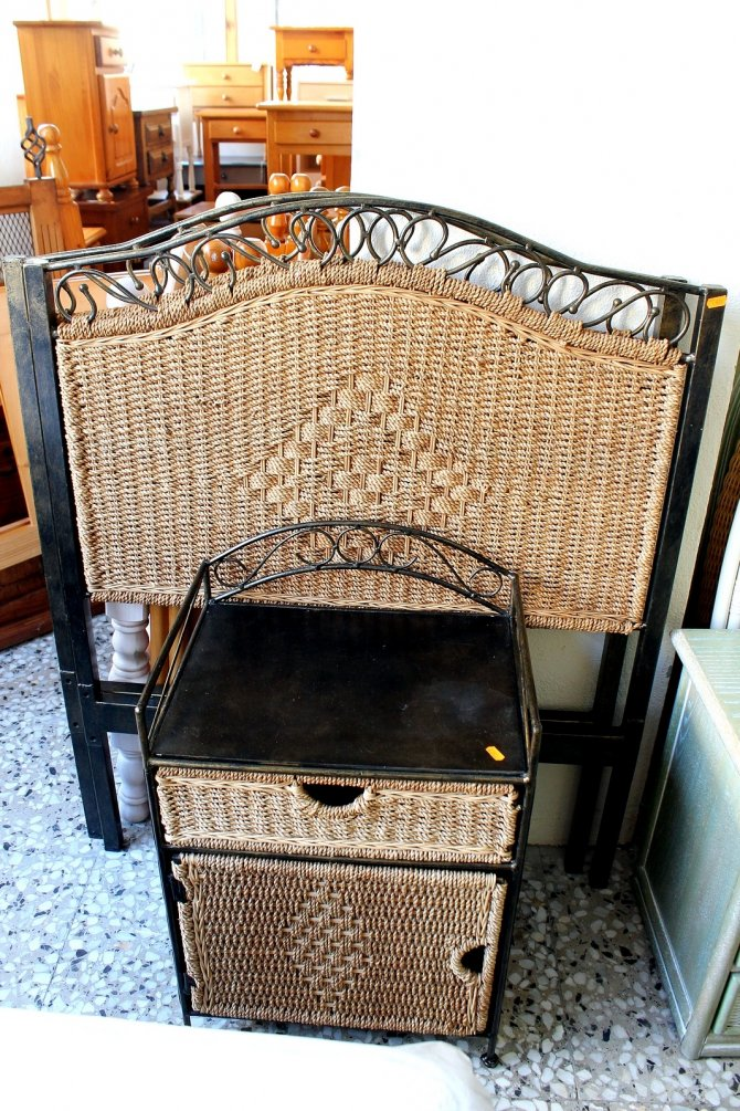 Second-hand furniture Pair of Headboards and Bedside, Torrevieja, Spain