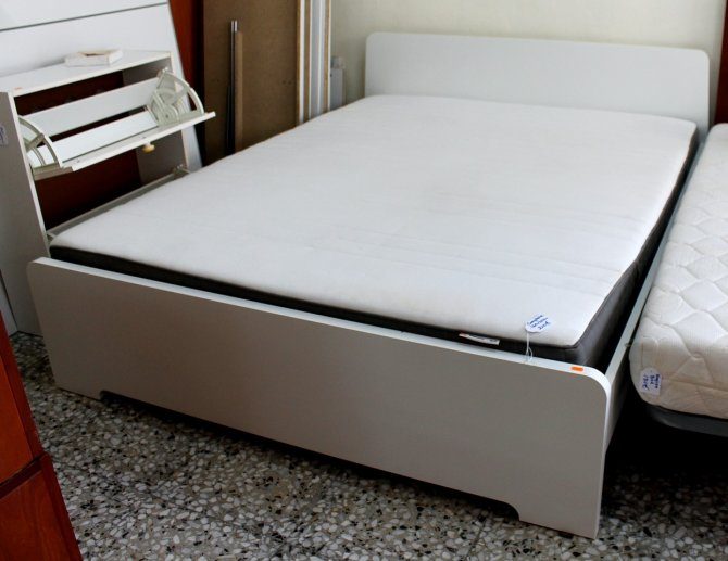 Second-hand furniture White Complete Bed, Torrevieja, Spain