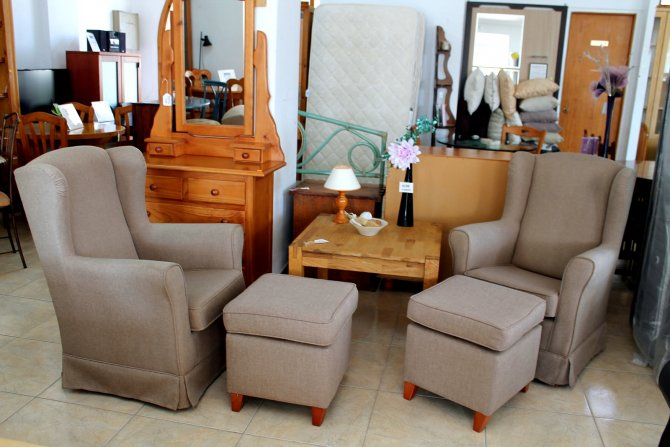 Second-hand furniture Pair of Armchairs and Footstools, Torrevieja, Spain