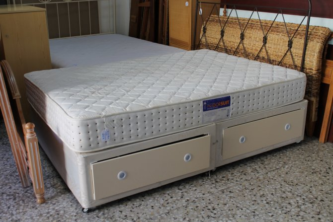 Second-hand furniture Divan Bed, Torrevieja, Spain