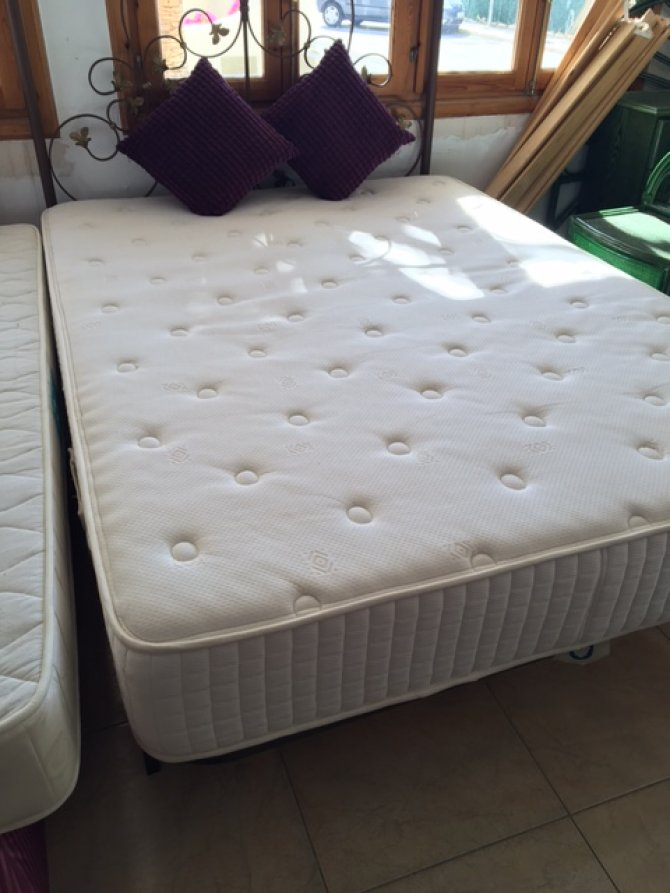 New2you furniture second hand beds for the bedroom ref for Second hand bedroom furniture