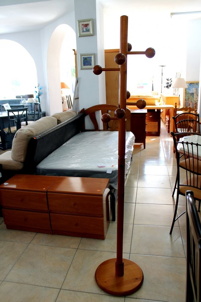 Second-hand furniture Coat Stand, Torrevieja, Spain