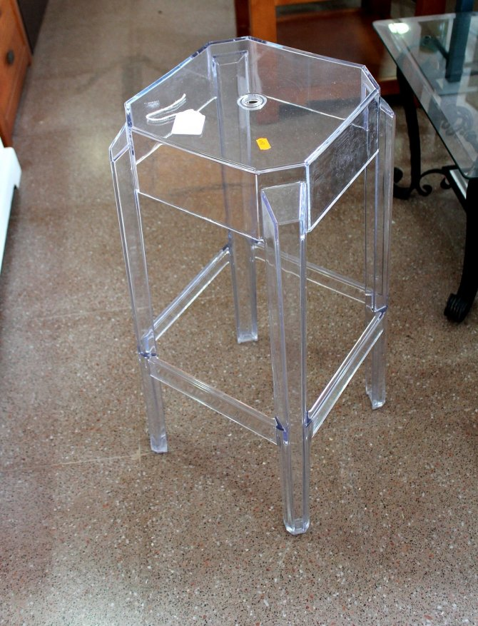 Second-hand furniture Stool, Torrevieja, Spain
