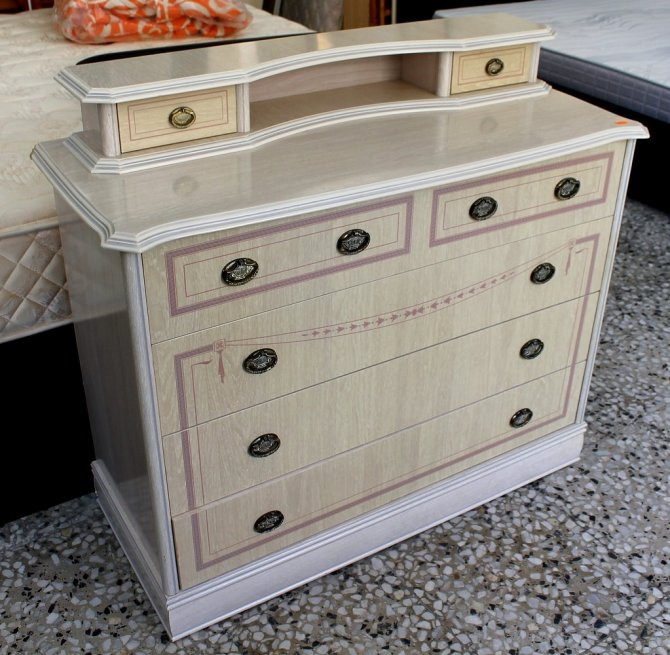 Second-hand furniture Chest drawers and Mirror, Torrevieja, Spain
