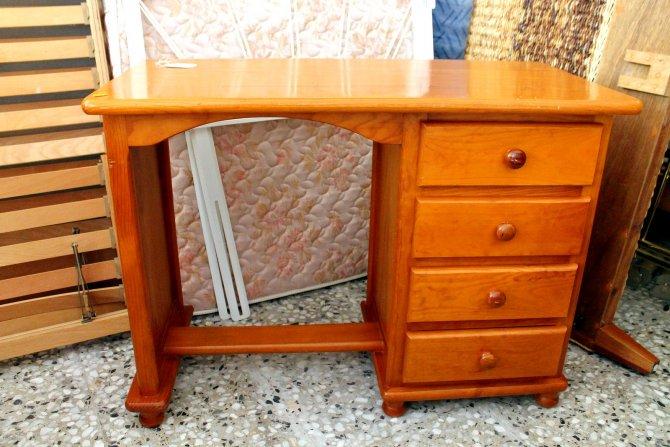 Second-hand furniture Desk, Torrevieja, Spain