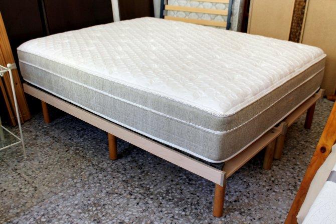Second-hand furniture Kingsize Bed, Torrevieja, Spain