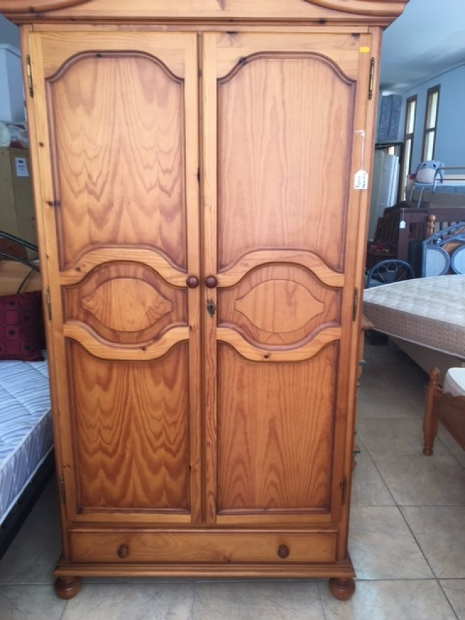 New2you furniture second hand wardrobes for the bedroom for Second hand bedroom furniture
